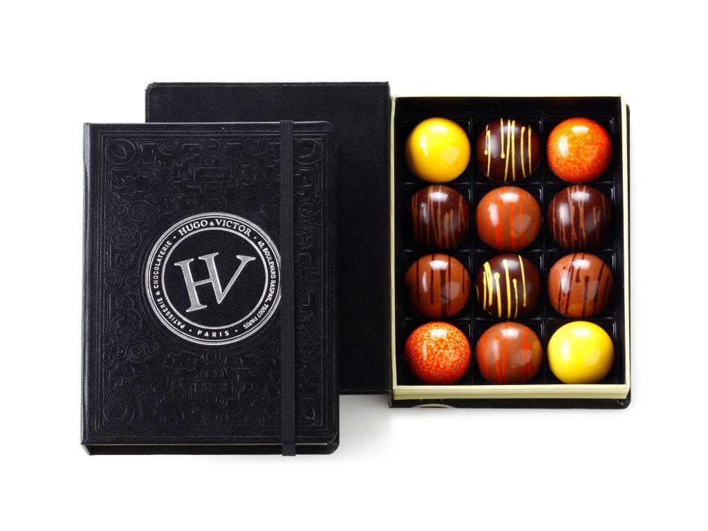 チョコレートから始まるストーリー!落ち着きのある洋書ハ゜ッケーシ゛「カルネ・サンク・セソ゛ ン」